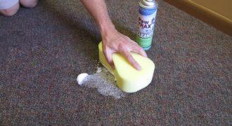 Миниатюра к статье Как избавиться от запаха на ковре, не испортив его цвет и качество