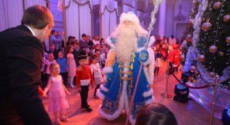 Миниатюра к статье Новогодние елки для детей 2018-2019 в СПб: когда будут проходить