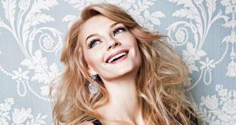 Миниатюра к статье Российские знаменитые женщины, которые считаются самыми красивыми. Они лучшие?