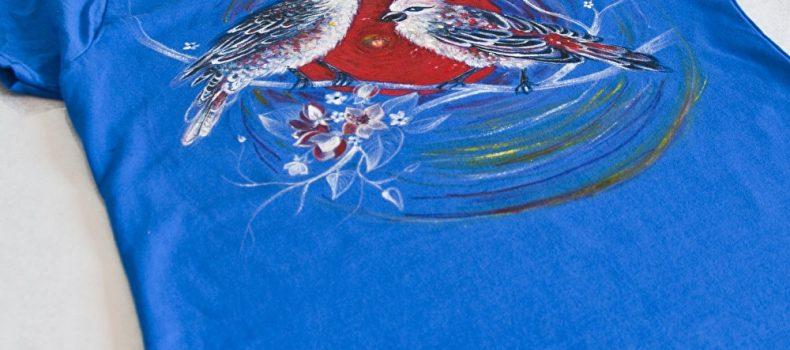 Миниатюра к статье Роспись футболки акриловыми красками