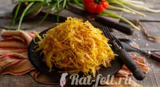 Миниатюра к статье Салат «Муравейник» с картофельной соломкой фри