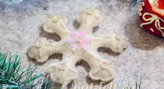 Миниатюра к статье Снежинка из фетра, расшитая бисером, стеклярусом, пайетками