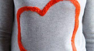 Миниатюра к статье Валяная аппликация на свитере «Сердце» своими руками