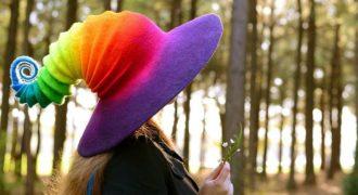Миниатюра к статье Очаровательно красочные ведьминские шляпы