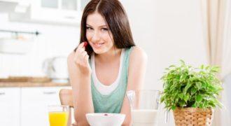 Миниатюра к статье Что нужно пить и есть по утрам, чтобы быть всегда здоровой