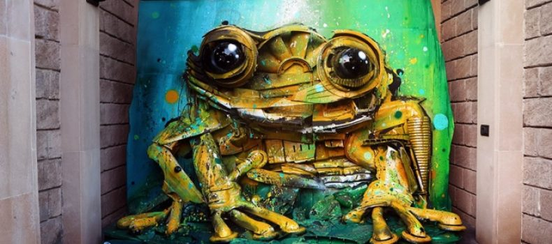 Миниатюра к статье Художник создает животных из мусора, чтобы напомнить о загрязнении окружающей среды