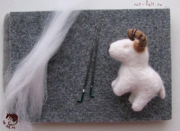 приваливаем шерсть овечке 9