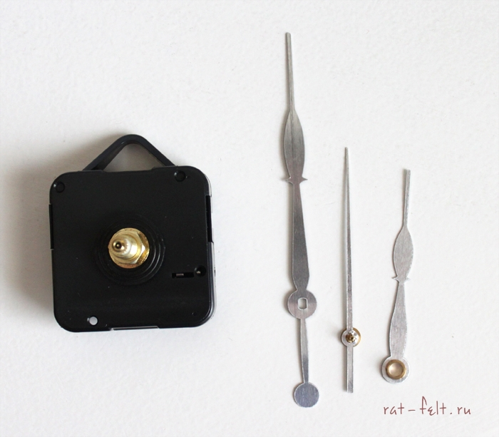 Часовой механизм и стрелки