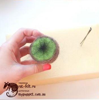 Звездочка из шерсти для будущих семян валяного киви