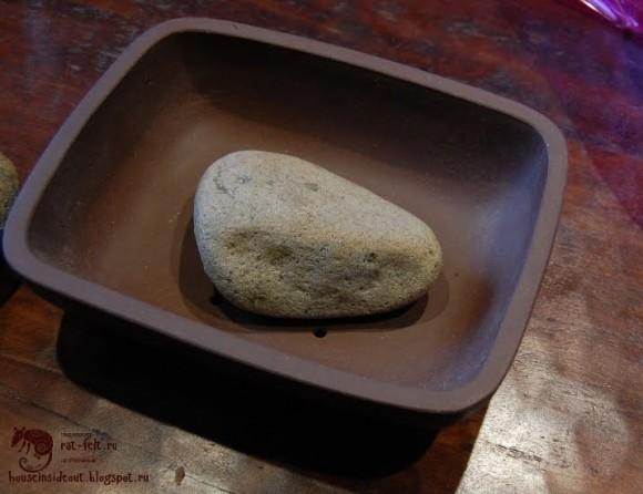 Камень для утяжеления горшка
