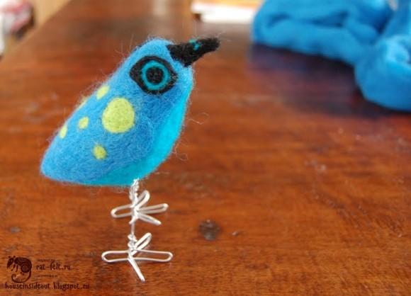 Готовая птица Твиттер из шерсти для валяния