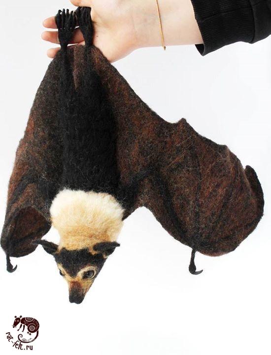 Летучая лисица из шерсти