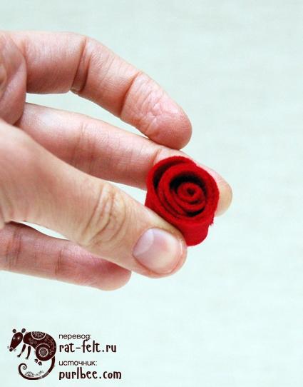 Бутон розы из фетра