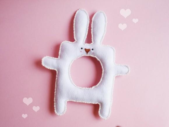 Браслет из фетра- кролик от Марии Филипе