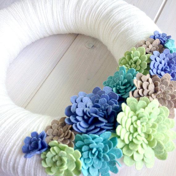 Венок с фетровыми цветами от ItzFitz