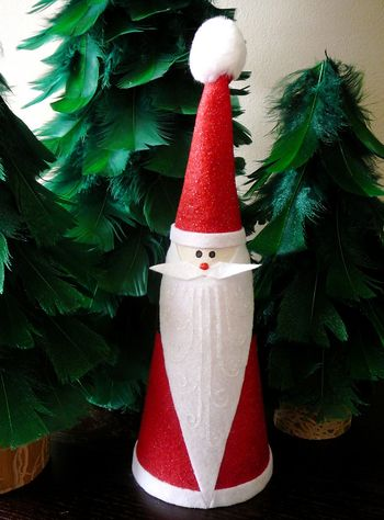 Дед Мороз в виде конуса Rhinestone Beagle