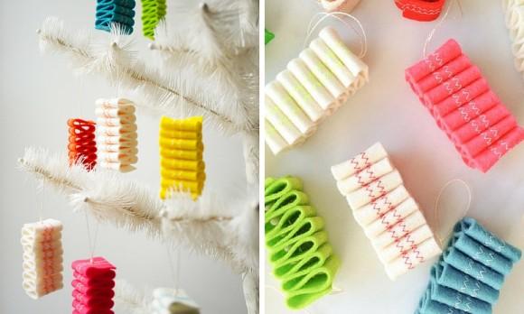 Сладкая ленточка - фетровая елочная игрушка