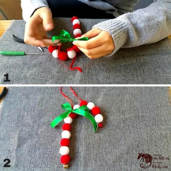 Готовая рождественская трость из валяных шариков