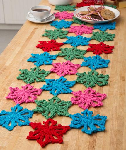 crochet-snowflake-runner-pattern