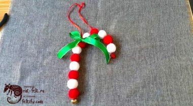 Миниатюра к статье Миниатюрная рождественская трость-леденец из шерсти