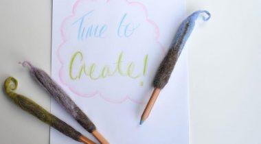 Миниатюра к статье Украшаем карандаши при помощи мокрого валяния